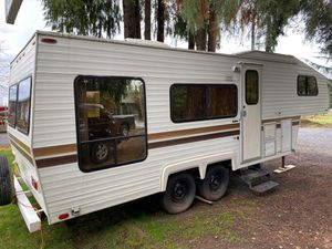 1986 alpenlite 25 fifth wheel for Sale in Hubbard, OR