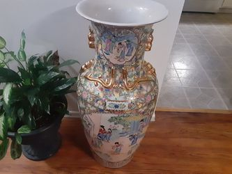 EXTREMELY Gorgeous Looking ASIAN Vase WOW 37 INCHES TALL for Sale in Arnold,  MO