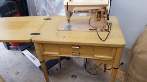 Singer sewing machine for Sale in Eagle River, WI
