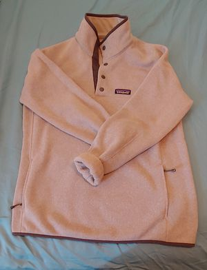Patagonia women's pullover for Sale in Montrose, CA