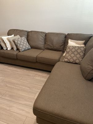 Right-facing Chaise Lounge Sectional Sofa for Sale in Vista, CA