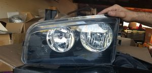 Driver side headlight 2008 Dodge Charger for Sale in Baldwin Park, CA