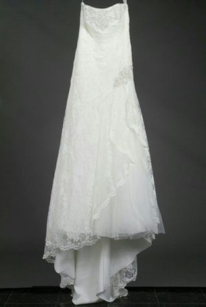 Wedding Dress Size 10 for Sale in Manassas, VA