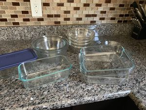 Assorted glass bowls and baking dishes for Sale in Fairfax, VA