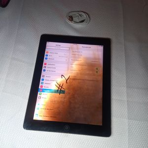 Ipad 2 (32gb) GOOD CONDITION for Sale in Rialto, CA