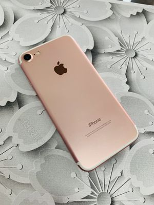 Factory unlocked iphone 7 32gb for Sale in Cambridge, MA