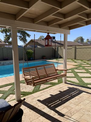 porch swing redwood for Sale in Glendale, AZ