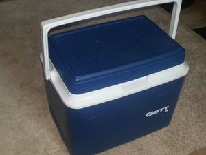 Small cooler for Sale in Washington, DC