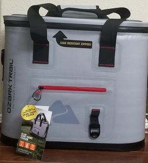 Ozark Trail 30 Can Cooler for Sale in Montgomery, TX