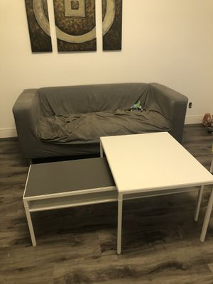 Free sofa and coffee table for Sale in Davie, FL