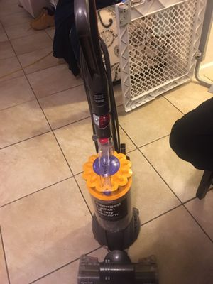 Dyson ball vaccume for Sale in Long Beach, CA