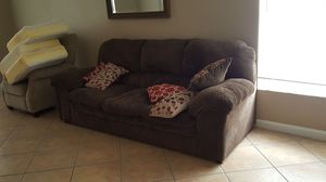 Living room couch for Sale in Orlando, FL