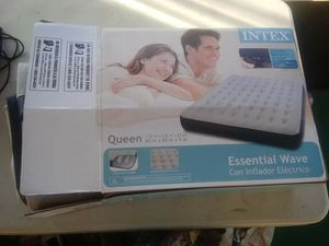 Queen size air mattress (pump not include) New!! for Sale in Fort Meade, FL