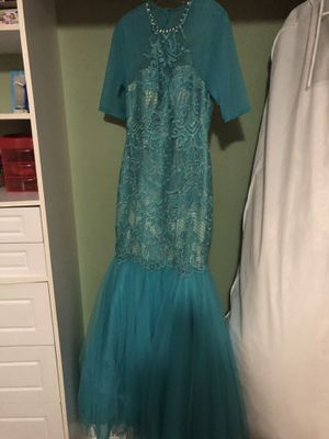 Ellie Wilde prom dress for Sale in Gretna, LA