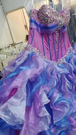 Dress (quinceanera) for Sale in Hayward, CA