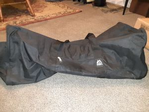 Everest XL round duffle bag 30 inch for Sale in Kent, WA