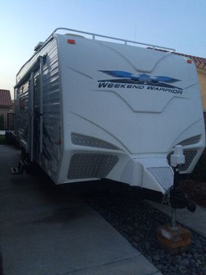 2007 Weekend Warrior FB2200 widebody. (Toyhualer, toy hauler, RV trailer / camper / camping ). for Sale in Vista, CA