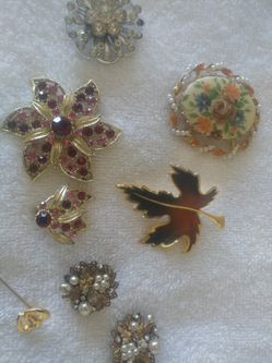 Brooches for Sale in West Point,  UT