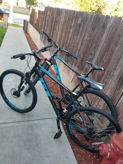 2 X GT mountain Bikes Both For 1200$ Size Large And Xlarge Wheels 27.6 Speeds 24 for Sale in Pasadena,  CA