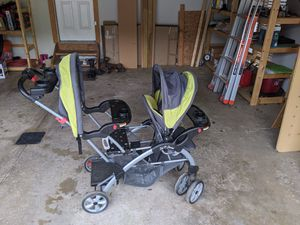 Double stroller for Sale in Brunswick, OH