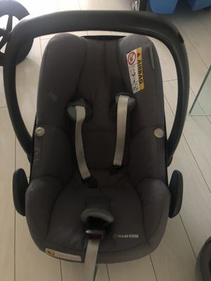 Maxi cosi for Sale in Key Biscayne, FL