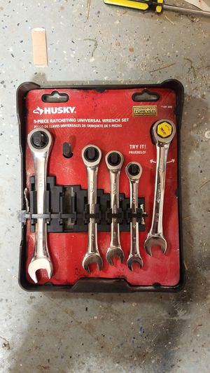 Husky 5 peice ratcheting wrench set sae standard for Sale in Phoenix, AZ