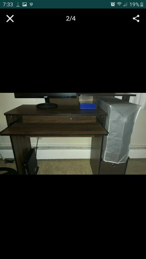 Computer desk for Sale in New Britain, CT