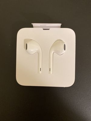 Apple earphones original for Sale in Bell, CA