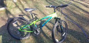 Trek mt 220 medium sized mountain bike for Sale in South Hampton, NH