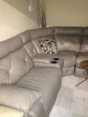 Huge modern sectional with chaise and recliner for Sale in Orlando, FL