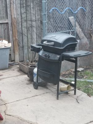 Bbq grill for Sale in Chicago, IL