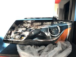OEM genuine Audi part # 8R0941029AH headlamp assembly for Sale in San Diego, CA