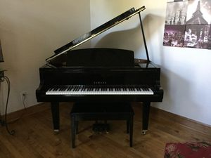 Yamaha Baby Grand Piano -Model GH1 for Sale in Erie, PA