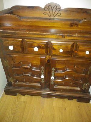 Wood Dresser for Sale in Sebring, FL