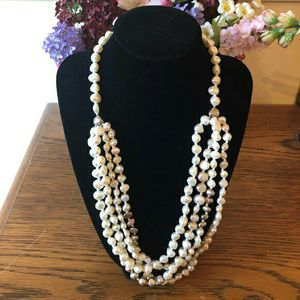 """Silpada Freshwater Pearl """"Layer Cake"""" Necklace With .925 sterling silver beads for Sale in Magna, UT"""