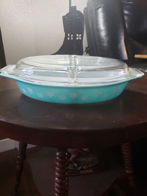 Vintage pyrex divided dish for Sale in Ridgefield, WA