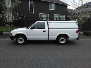 03 Chevy s10 for Sale in Renton, WA