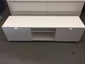 Tv stand for Sale in Hallandale Beach, FL