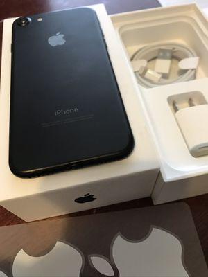 Iphone 7 black - unlocked (cdma+gsm) for Sale in Washington, DC