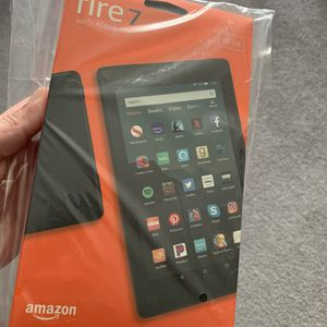 Brand New Fire 7 Tablet with Case ! 32gb for Sale in Bedford Park, IL