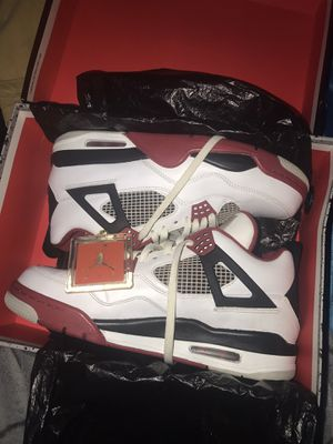 Fire red 4 Sz 10.5 vnds🔥 for Sale in Shaker Heights, OH