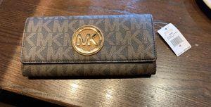 New Michael Kors wallet for Sale in Grayson, GA