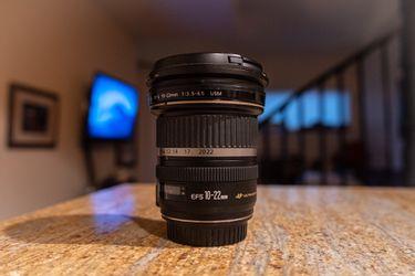 Canon lens 10-22mm ( camera lens ) for Sale in Boulder,  CO