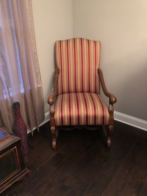 Antique Sitting Chair for Sale in Cartersville, GA