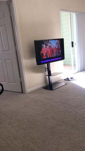 Brand new TV stand for sale, hardly used for a week with original box for Sale in Charlotte, NC