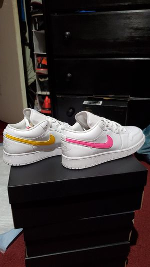 Jordan 1 Low Multicolor Swoosh for Sale in El Monte, CA