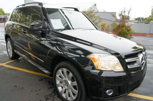 2010 MERCEDES GLK350 LOADED LOW MILES 68K SPORT RUNS GREAT for Sale in Sacramento, CA