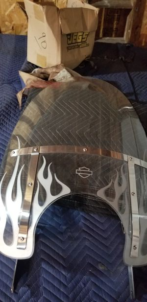 Harley Davidson road king windshield for Sale in Chicago, IL