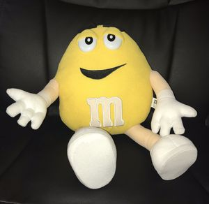 M&M VINTAGE STUFFED PLUSH YELLOW COLLECTION COLLECTIBLE CHARACTER TOY M AND M GIFT FOR BOY GIRL FUNNY SOFT for Sale in Houston, TX