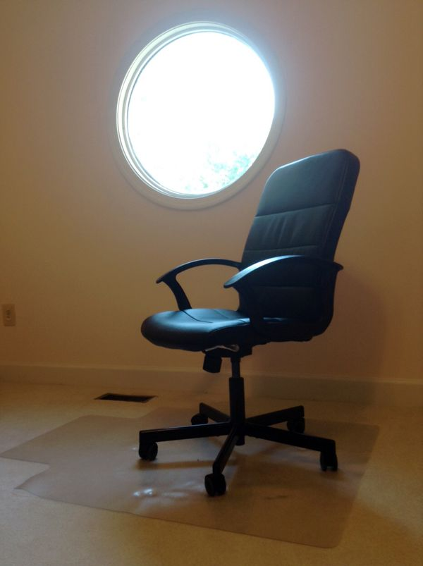 Excellent condition IKEA study chair and chair mat